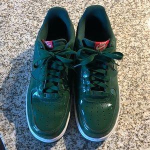 Nike Air Force 1. Gorge Green.